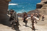 Pirates-of-the-caribbean-on-stranger-tides-johnny-depp-penélope-cruz-ian mcshane