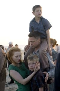 The-tree-of-life-brad-pitt-jessica-chastain-laramie-eppler-tye-sheridan