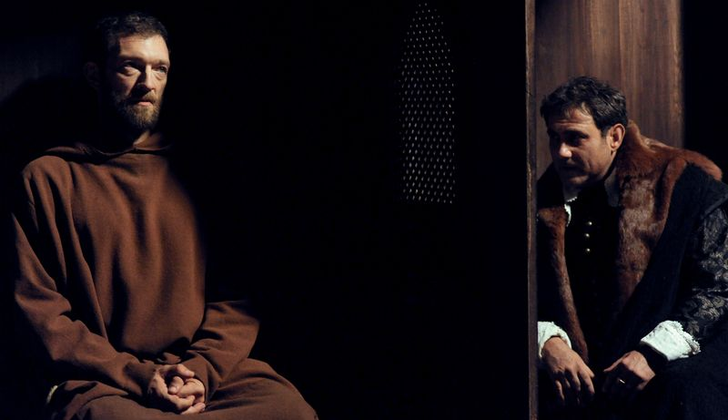 The-monk-vincent-cassel-sergi-lopez-le-moine