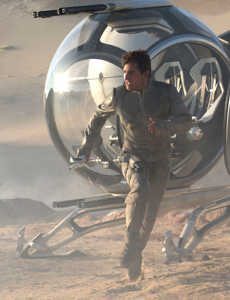 Oblivion-movie-review-tom-cruise