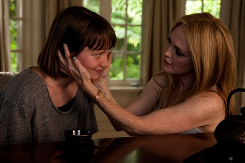 Maps-to-the-stars-movie-review-julianne-moore-mia-wasikowska