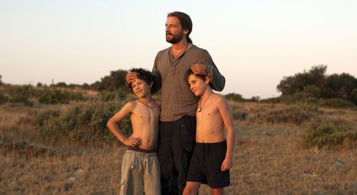 Wild-life-movie-review-mathieu-kassovitz-vie-sauvage-david-gastou-sofiane-neveu