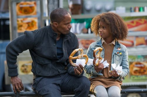 Annie-movie-review-jamie-foxx-quvenzhané-wallis