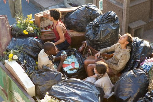Trash-movie-review-rickson-tevez-eduardo-luis-gabriel-weinstein