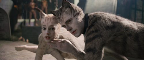 Cats-movie-review-francesca-hayward-robbie-fairchild