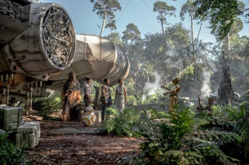 Star-wars-the-rise-of-skywalker-movie-review-joonas-suotamo-oscar-isaac-john-boyega-daisy-ridley-anthony-daniels