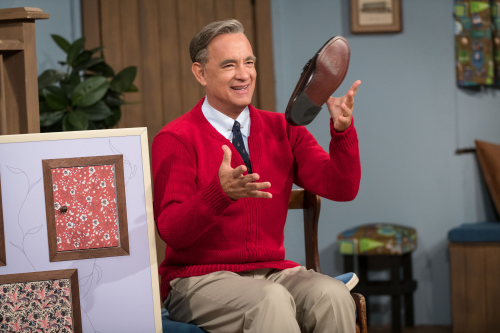 A-beautiful-day-in-the-neighborhood-movie-review-tom-hanks-fred-rogers